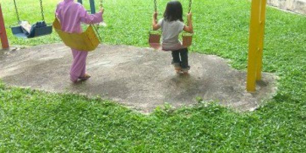 Tips bawa anak main di playground tanpa mengamuk