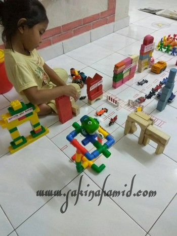pretend-play-city