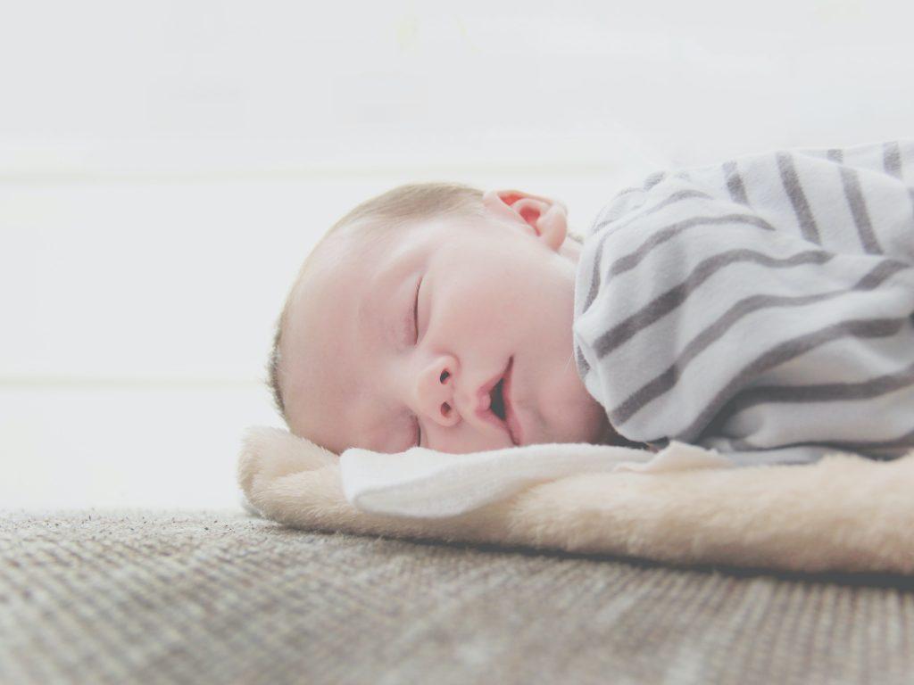 Pola Tidur Bayi Berbeza Mengikut Umur.